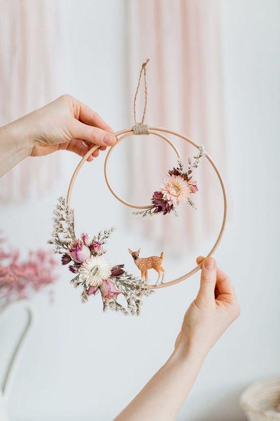Couronne décorative de printemps
